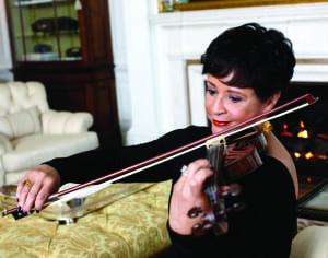 Sheila_Johnson_Playing_Violin
